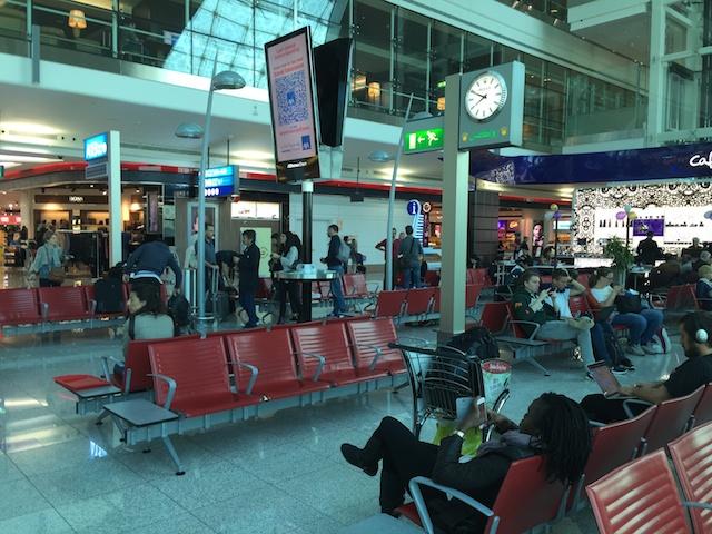 近代的なドバイの空港